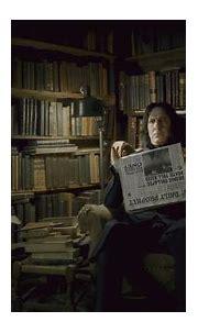 Imagem - Severus Snape reading the Daily Prophet.JPG ...