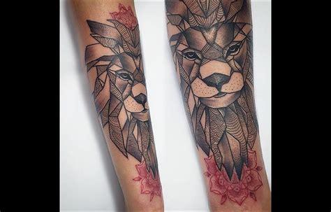 tatouage avant bras lion idees de tatouages  piercings