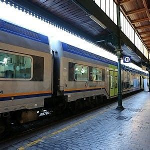 Treno Napoli Pavia by Morto Dopo Esser Stato Investito Sui Binari Nel Pavese
