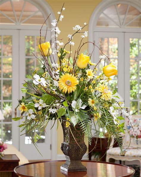 Flower Arranging Vases by Flower Arranging In A 12 Quot Vase Home Shop At Home