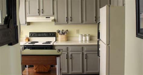 wall color soft sunlight  valspar cabinet color french