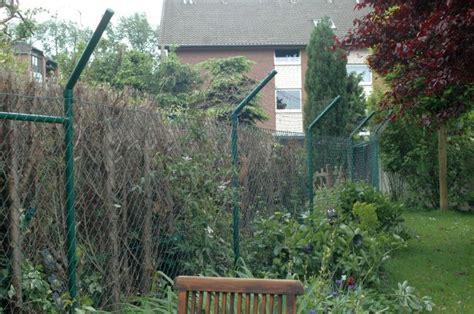 Garten Katzensicher Einzäunen  Begrenzter Freilauf