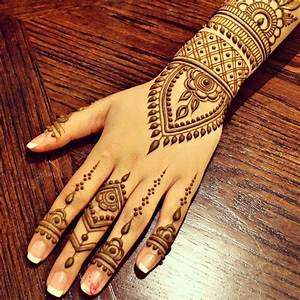 Simple Mehndi Designs | One Hand Mehndi Designs | New ...