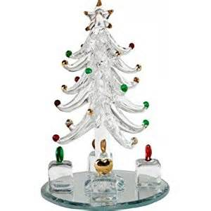 amazon com miniature clear crystal art glass christmas tree w presents 07 collectible figurines