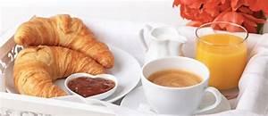 Petit Dejeuner Au Lit : pr parez un petit d jeuner au lit pour la st valentin ivoire times ~ Melissatoandfro.com Idées de Décoration
