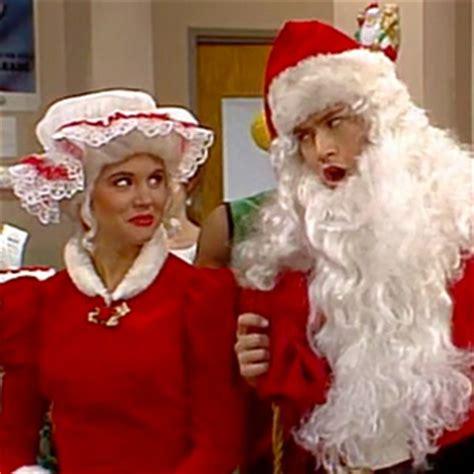 perry como xmas dream 34 memorable christmas episodes of classic tv shows