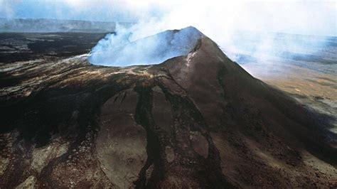 hawaii kilauea spuckt wieder lava zdfheute