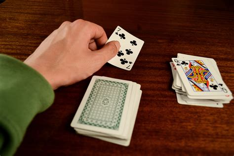 easy card trick how to do a really easy card trick 9 steps wikihow