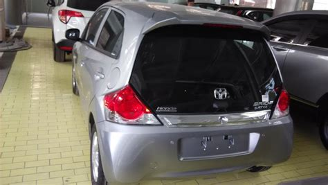Herunterladen Gambar Mobil Honda Brio Matic Landlinkindro