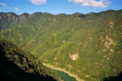Gezginlerin çoğu anji ancient city (11,6 km) ve. Why is it worth to visit Anji? - Refer China