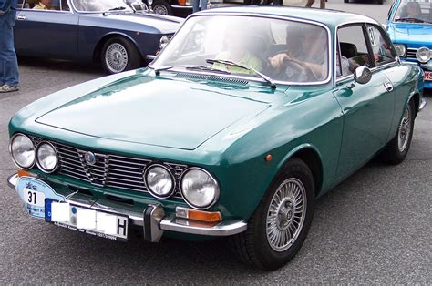 Alfa Romeo 2000 by Alfa Romeo 1750 2000 Pictures Information And Specs