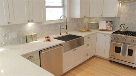 tiles backsplash kitchen property brothers w network for the home 2802