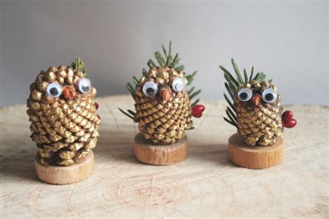 Pine Cone Christmas Decoration Instructions Glass Table Lamps For Living Room How To Design Your Choose A Carpet The Wine Bar Restaurant Glasgow Christmas Decorations Rooms Designs Pictures Live Locker Cam