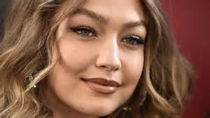 Gigi Hadid's Mom Is Her Look-Alike in Modeling Throwbacks ...