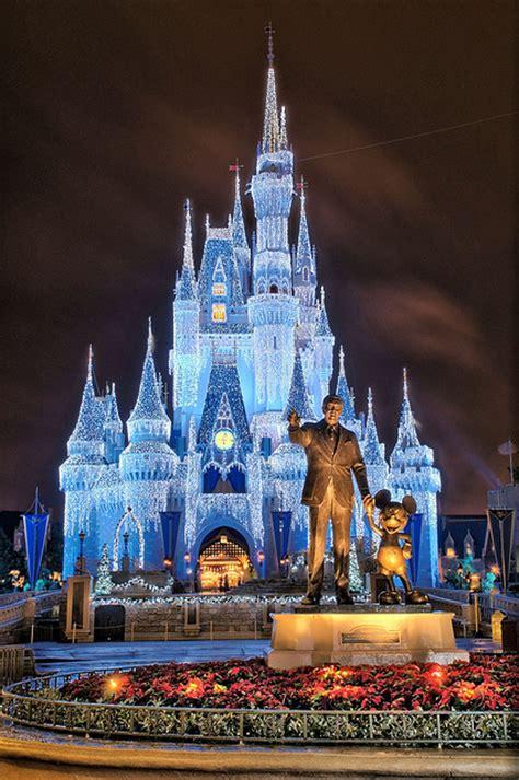 disney christmas cinderella castle lights