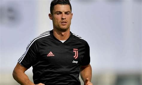 Cristiano Ronaldo Cuts Frustrated Figure At Juventus With ...