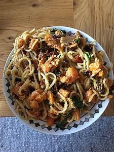 Spaghetti Mit Kürbis : spaghetti mit k rbis rezept mit bild von dark angel82 ~ Lizthompson.info Haus und Dekorationen