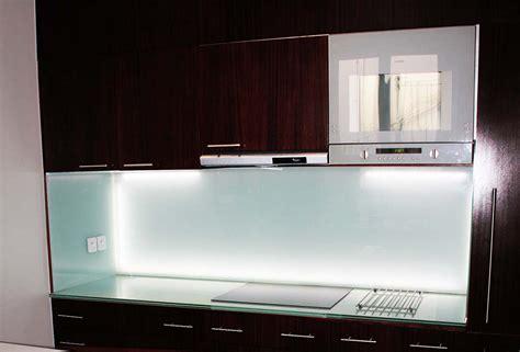 verre cuisine crédence en verre personnalisée pour cuisine righetti