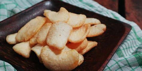 Kerupuk udang adalah kerupuk yang terbuat dari adonan tepung tapioka dan udang yang ditumbuk halus yang diberi bumbu rempah dan penambah rasa. Mudah, Ini Cara Membuat Kerupuk Bawang Gurih dan Renyah ...