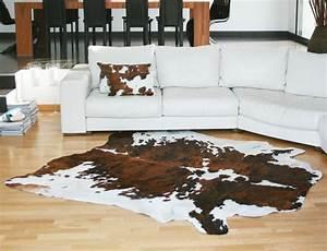 peau de vache normande claire fabriquee en france With tapis peau de vache avec canape meridienne rouge