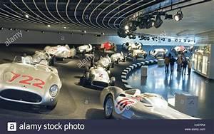 Musée Mercedes Benz De Stuttgart : l 39 allemagne de stuttgart untert rkheim mus e mercedes ~ Melissatoandfro.com Idées de Décoration