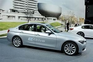 Hybride Auto Rechargeable : bmw 330e une hybride rechargeable priv e de six cylindres l 39 argus ~ Medecine-chirurgie-esthetiques.com Avis de Voitures