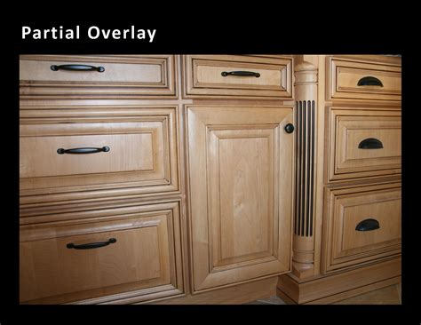 full overlay kitchen cabinets choosing a good kitchen cabinet
