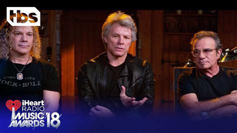 Shaun White Introduces Bon Jovi For Icon The Year