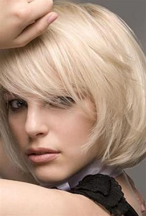 layered bob hairstyles  side bangs fashion trends