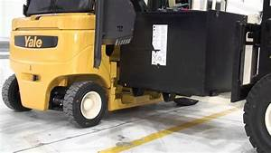 Electric Forklift Trucks Battery Removal With Forklift - Yale