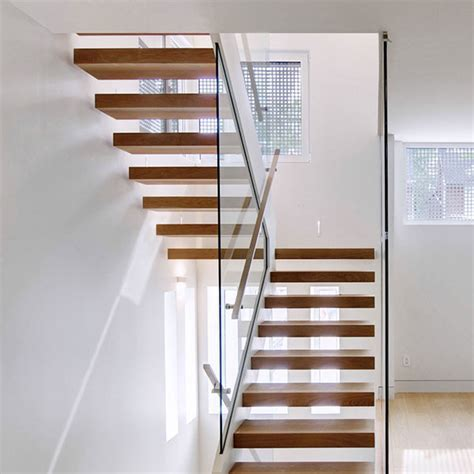 Modern Interior Open Riser Floating Staircase for Village