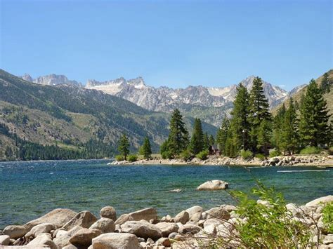 twin lakes offers gorgeous camping  bridgeport