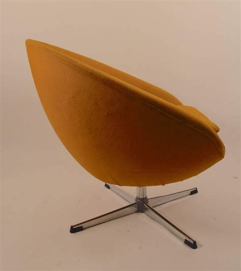 single overman swivel pod chair for sale at 1stdibs