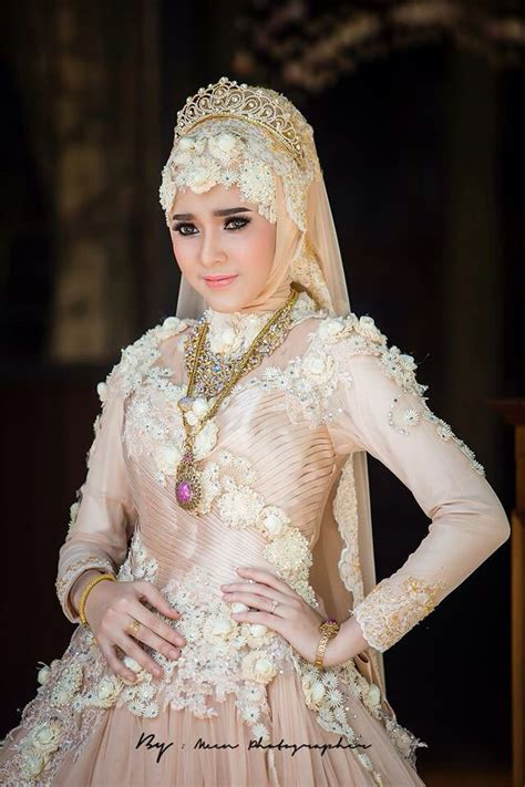 kalung wanita elegan 11 model gaun kebaya modern istimewa untuk pernikahan