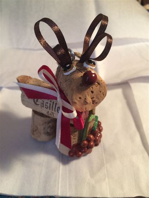 rustic wine cork craft holiday christmas bottle toting