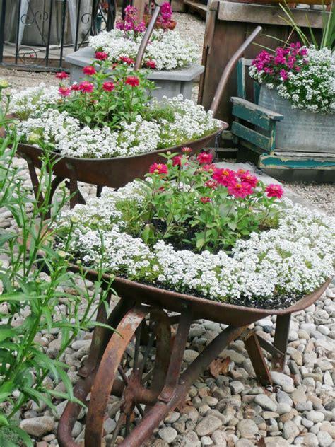 Gartendeko Aus Rost Für Moderne & Klassische