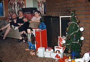A Merry Mundane Christmas from the 1950s - Flashbak