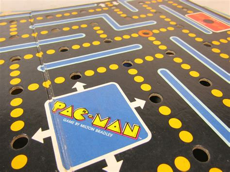 vintage  milton bradley pac man board game appears