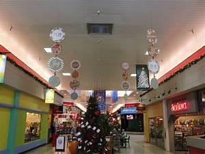 Washington Graphics LLC Teams Up With Crossroads Mall To