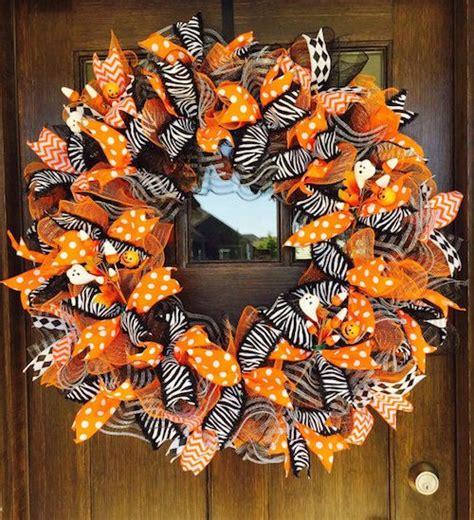 Learn How To Make A Halloween Ribbon Wreath