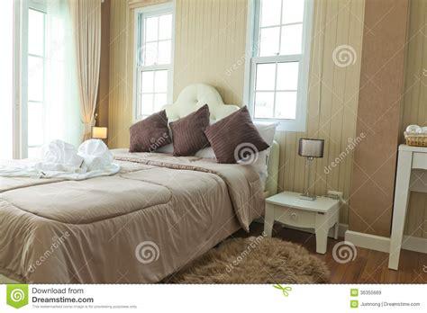 chambre a coucher luxe chambre à coucher moderne de luxe images libres de droits