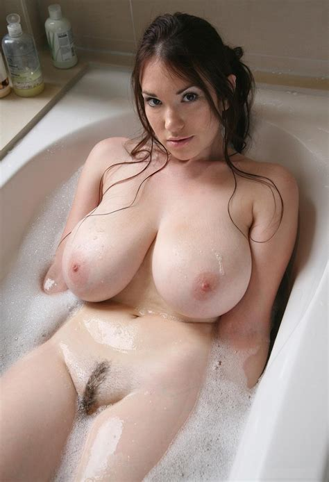 Busty Shaved Curvy Brunette Babe Anna Song With Landing