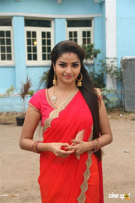 Nandini Tv Serial Actress Nithya Ram 2 Indian Beauty