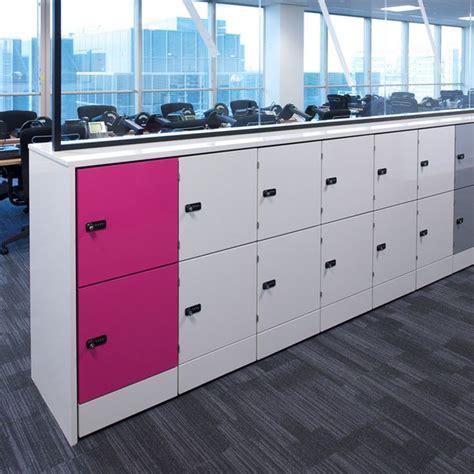 locker siege social les 25 meilleures idées concernant office lockers sur