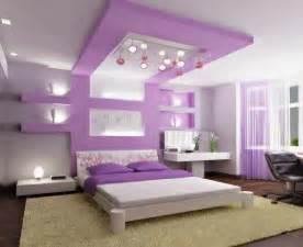 schlafzimmer mit himmelbett luxus lila schlafzimmer einrichtungsideen für eitle damen
