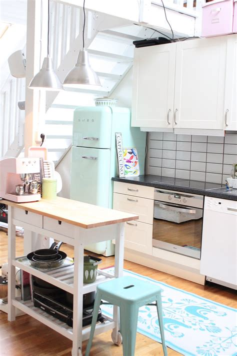 pastel coloured kitchen accessories a grown up take on decorating with pastels 4104