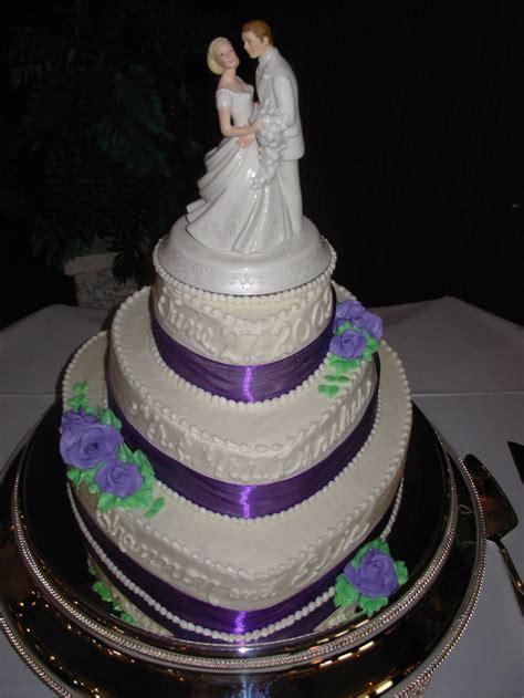 wedding cakes  novelty creative designs  wedding cakes