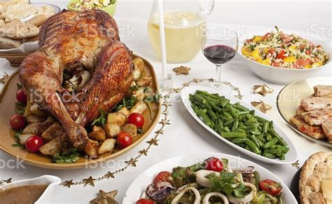 Christmas dinner is a meal traditionally eaten at christmas. American Christmas Dinner Food - 75 Traditional Christmas ...