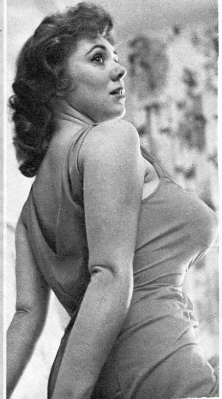 actress martha raye nude