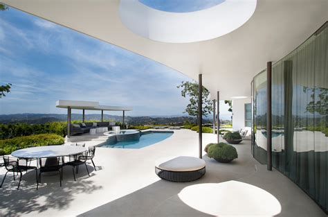 Luxurious Contemporary Home by Contemporary Home With Luxurious Pool Terrace